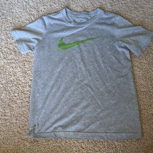Nike boys shirt
